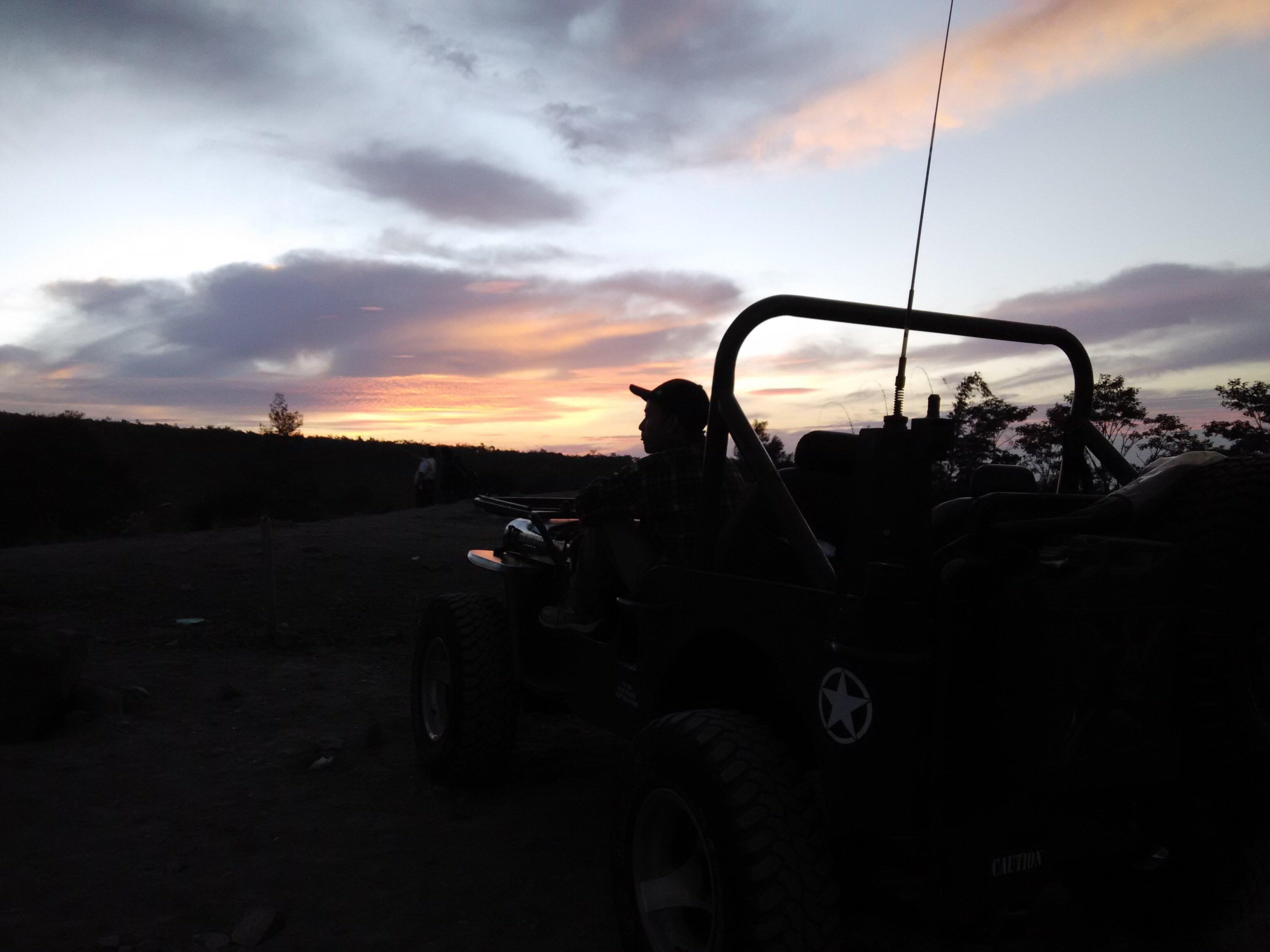 sunrise lavatour